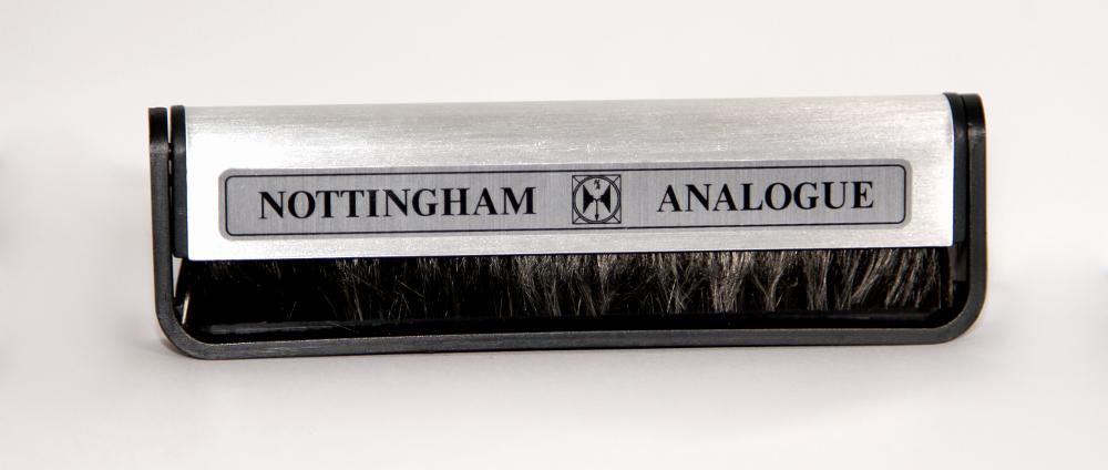 Antystatyczna szczoteczka do płyt Nottingham Analogue